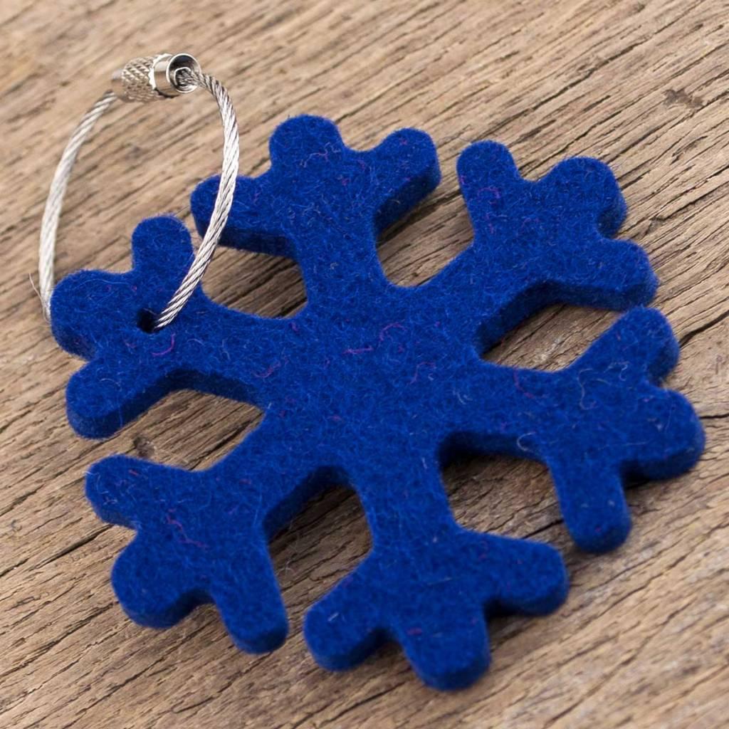 Filz Schlüsselanhänger Schneeflocke, dunkel-blau mit Stahlseil