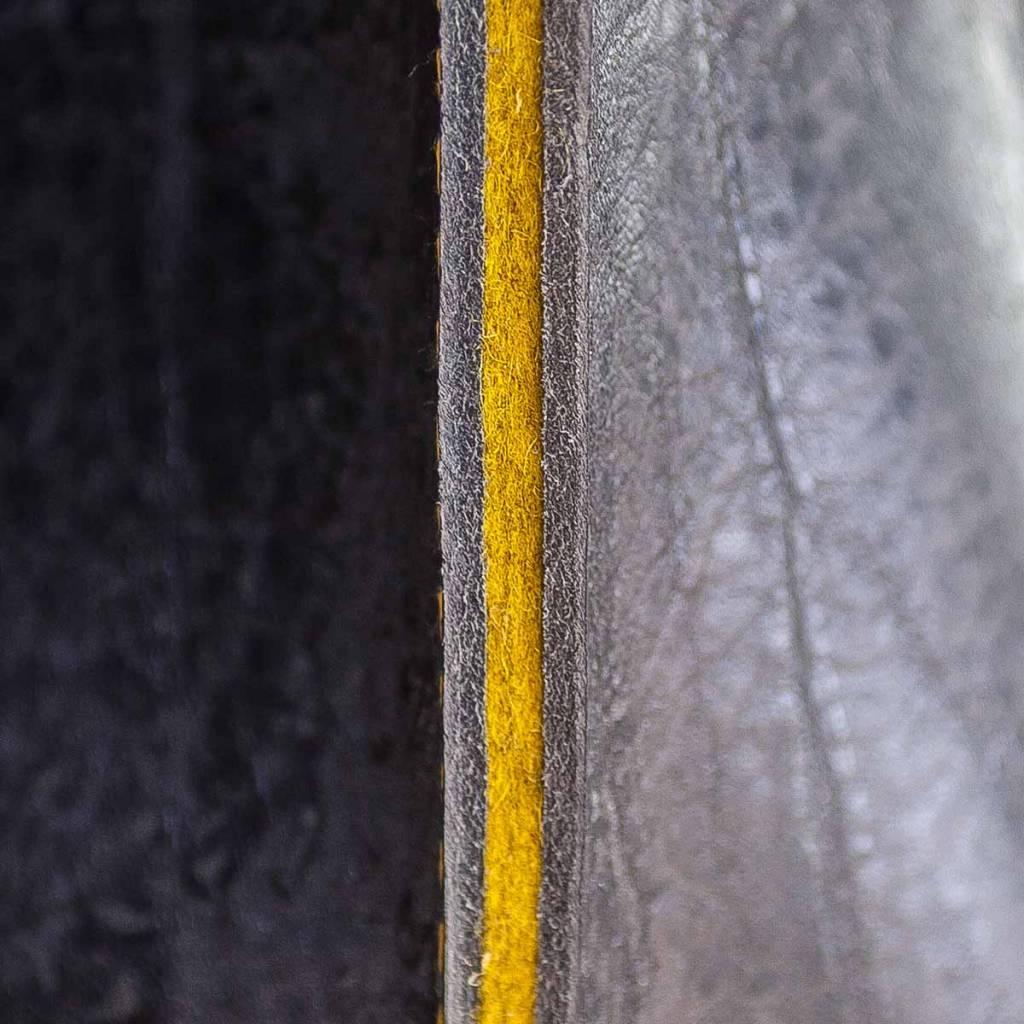 Umhängetasche aus schwarzem Leder und Filz, Charakterstück, Filz Messenger Bag