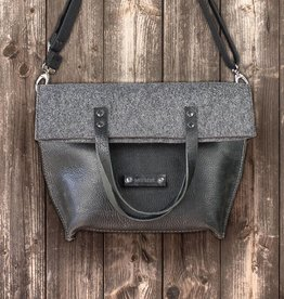 Charakterstück – black leather & felt, crossbody bag messenger bag