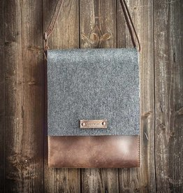 """""""Werksbote Hans the long"""" in brown, messenger bag, felt and leather"""