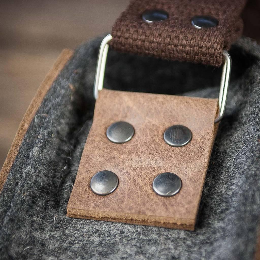 Messenger Bag / Umhängetasche aus grauem Filz und braunem Leder WERKSBOTEN MAX+MORITZ