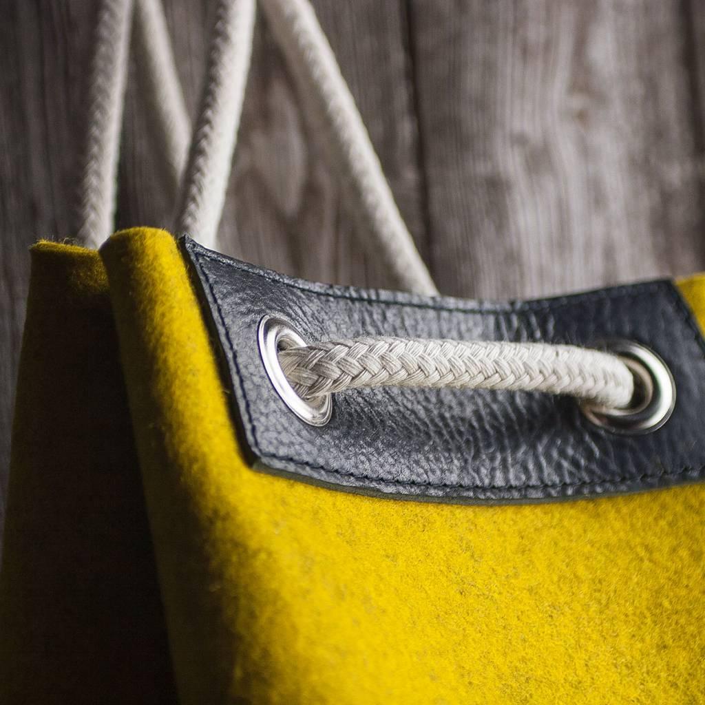 Seesack, Matchsack oder Rucksack MEERWERK aus Filz mustard meliert & Leder schwarz