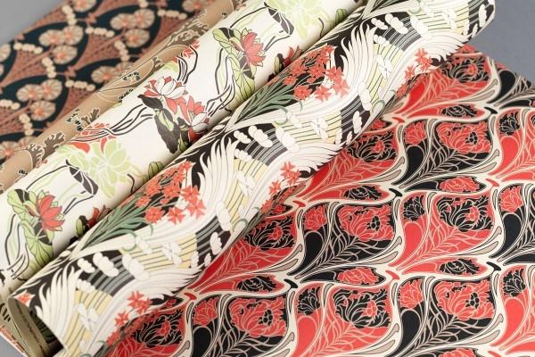 Gift wrap art nouveau