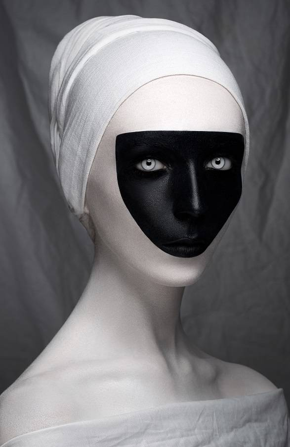 Umo Art Gallery White Renaissance