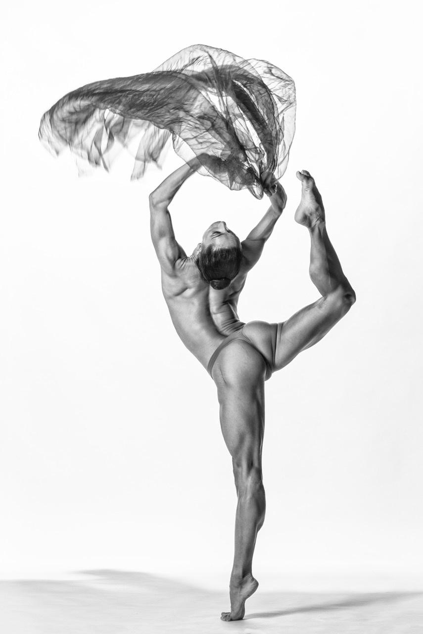 Umo Art Gallery Power Attitude Dance