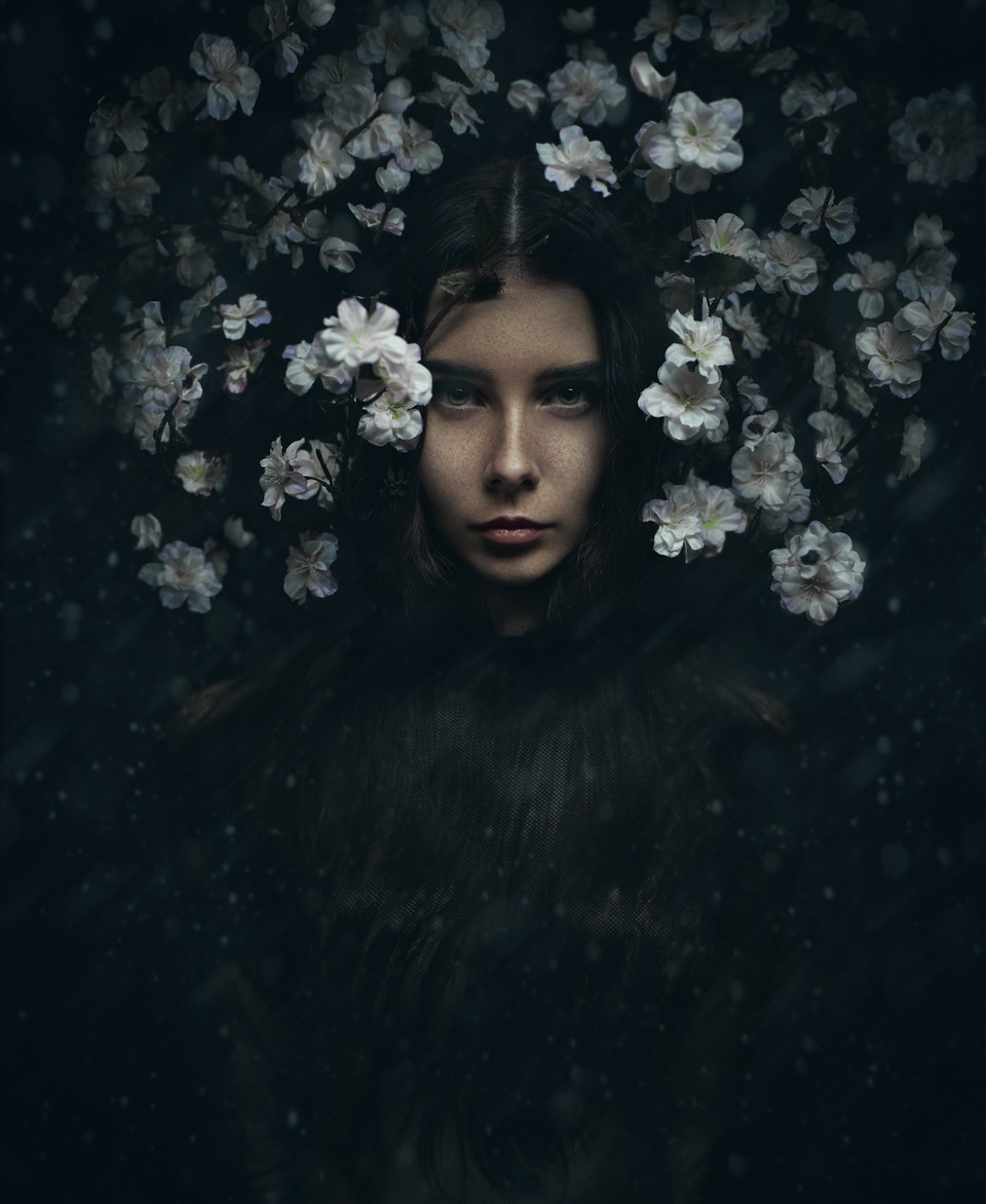 Umo Art Gallery Flower Girl