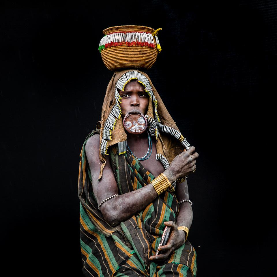 Umo Art Gallery The Tribal women