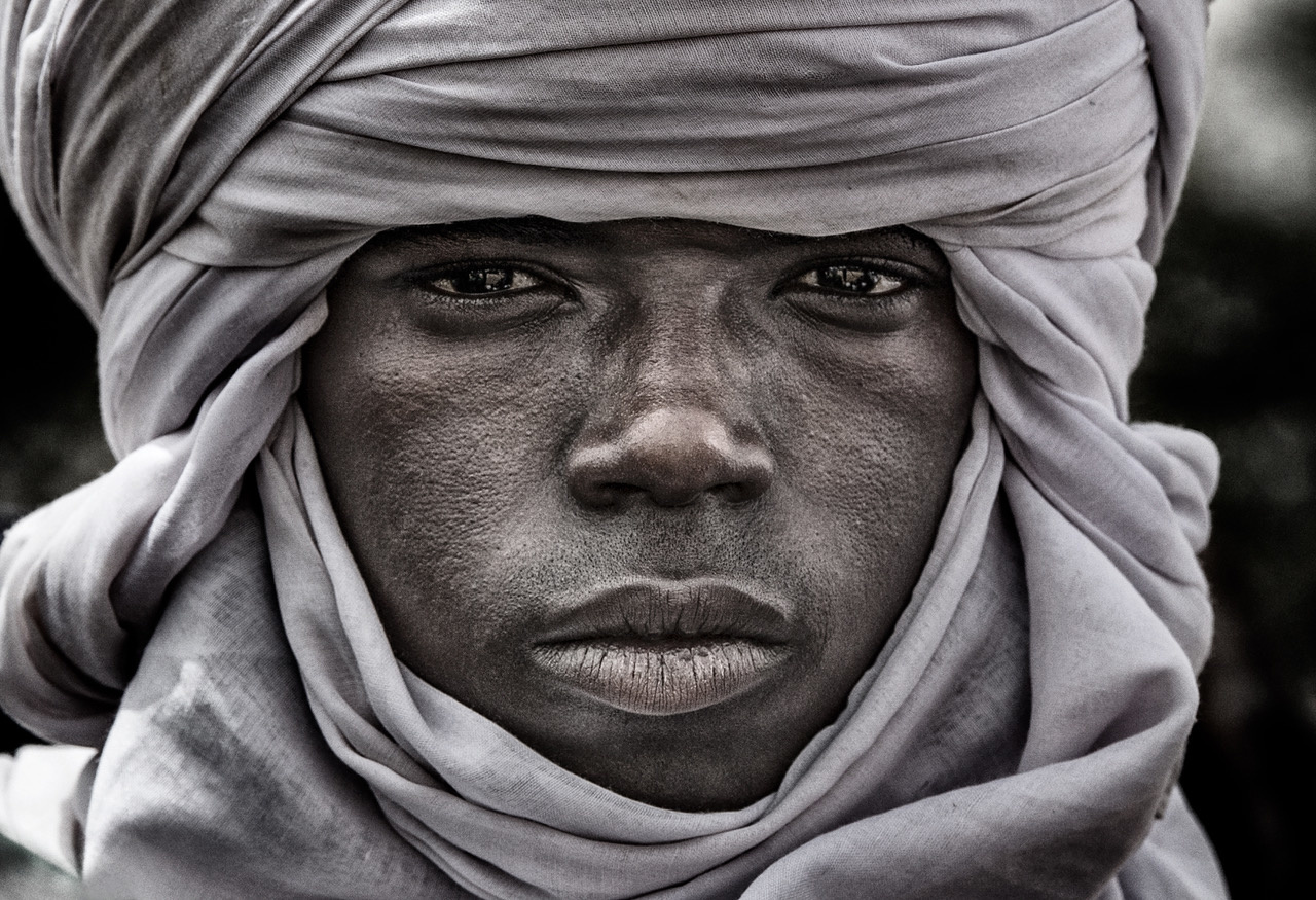 Umo Art Gallery Peul man at the gerewol festival - Niger