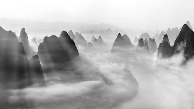 Umo Art Gallery Yangshuo morning fog