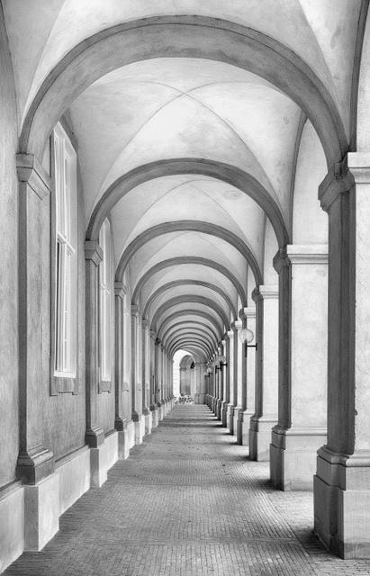 Umo Art Gallery Colonnade