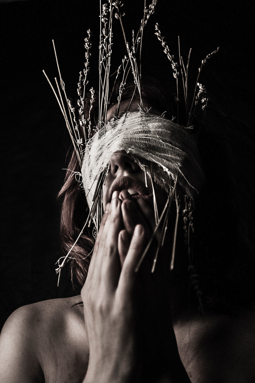 Umo Art Gallery Blindfold