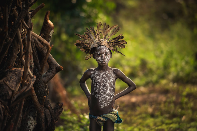 Umo Art Gallery The boy Suri tribe with traditional dress