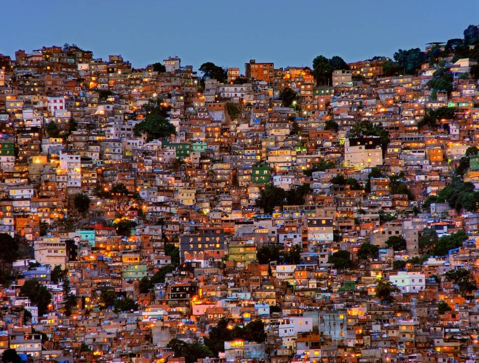 Umo Art Gallery Nightfall in the Favela da Rocinha