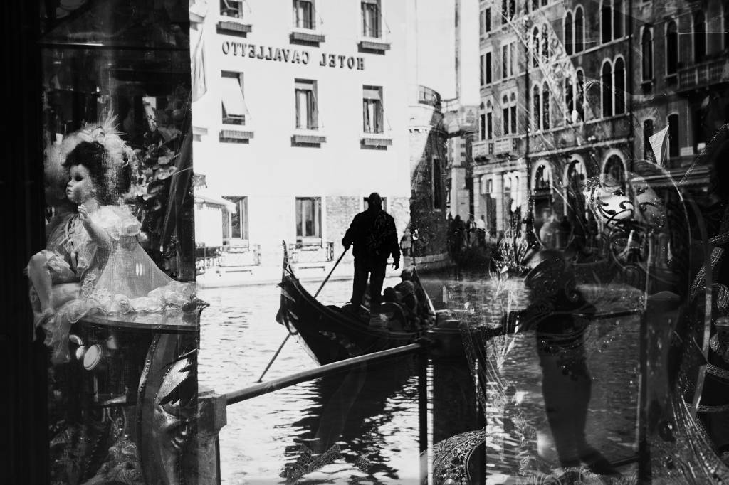 Umo Art Gallery Venice reflections