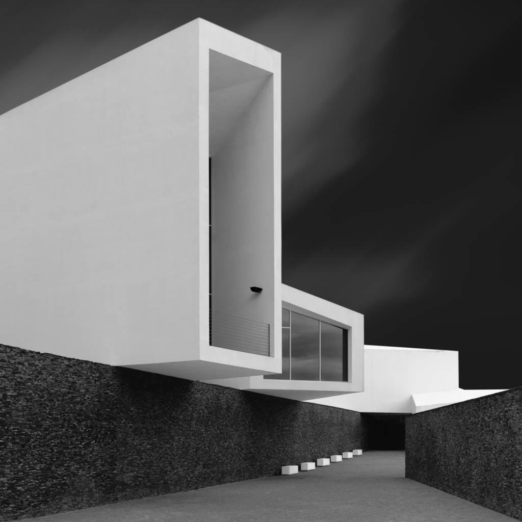 Umo Art Gallery WHITE WALLS