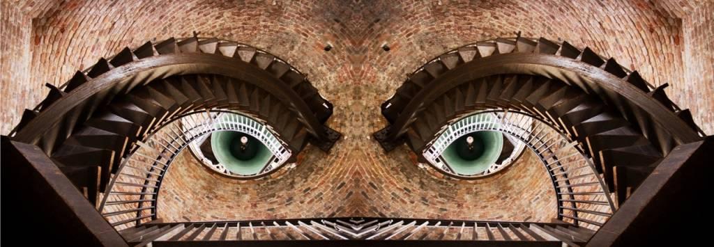 Umo Art Gallery Watching you