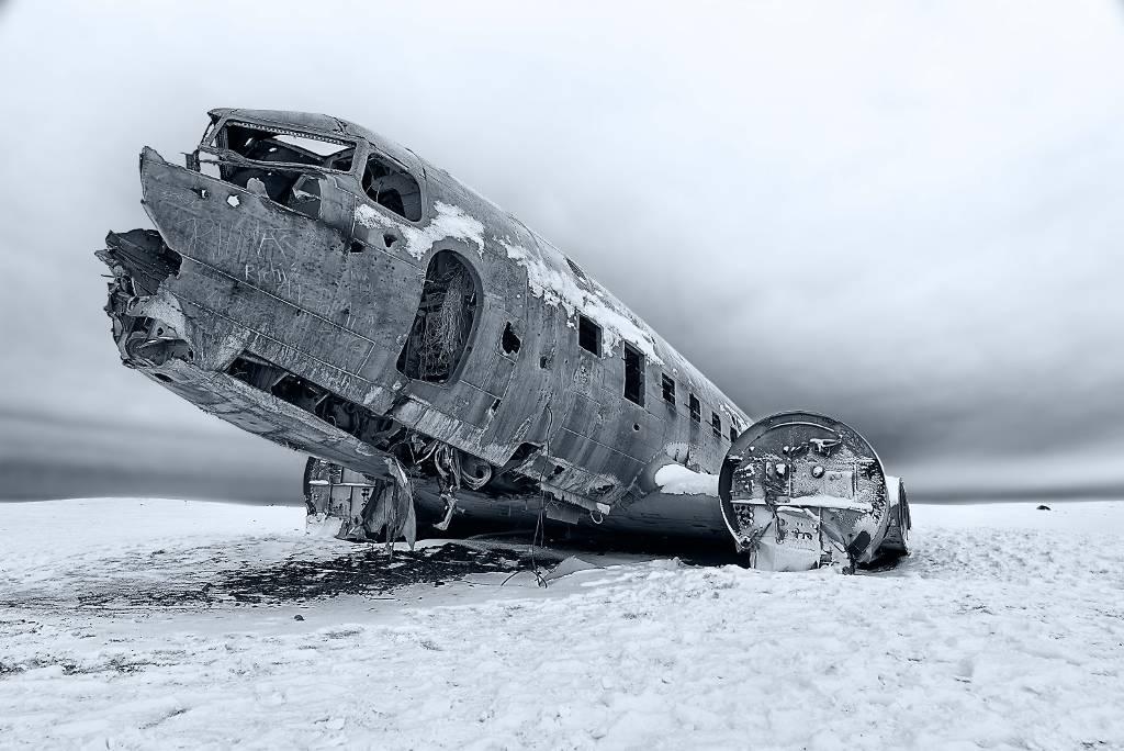 Umo Art Gallery Safe Landing