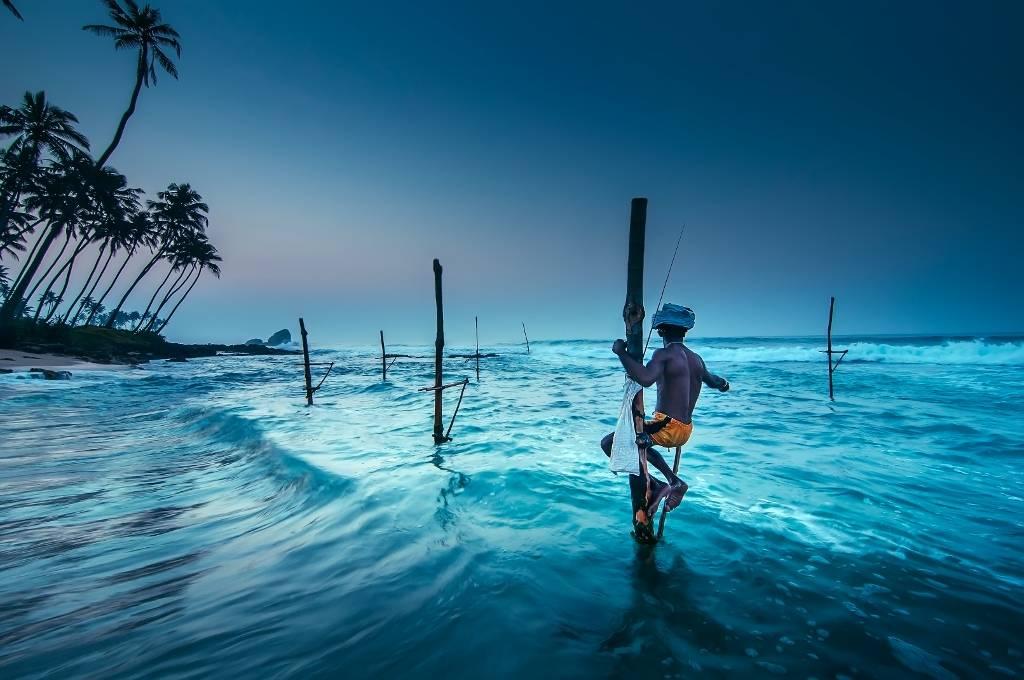Umo Art Gallery Fishing at sunrise