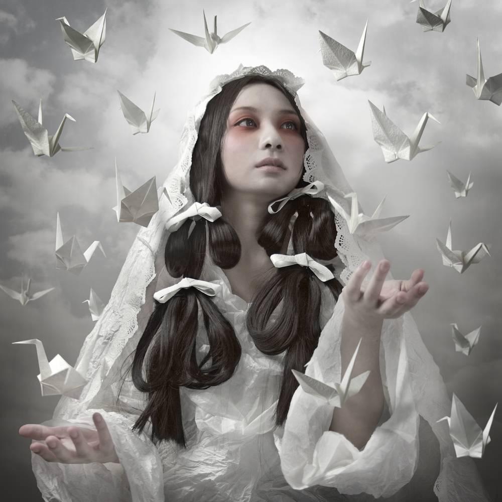 "Umo Art Gallery Goddess of ""Origami"""