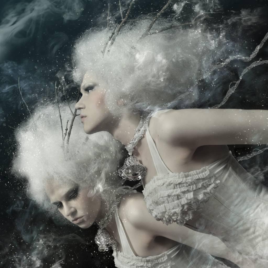 Umo Art Gallery Spirits of the winter field