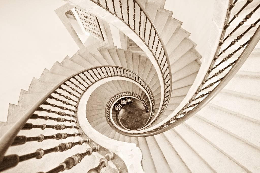 Umo Art Gallery Helix vertigo