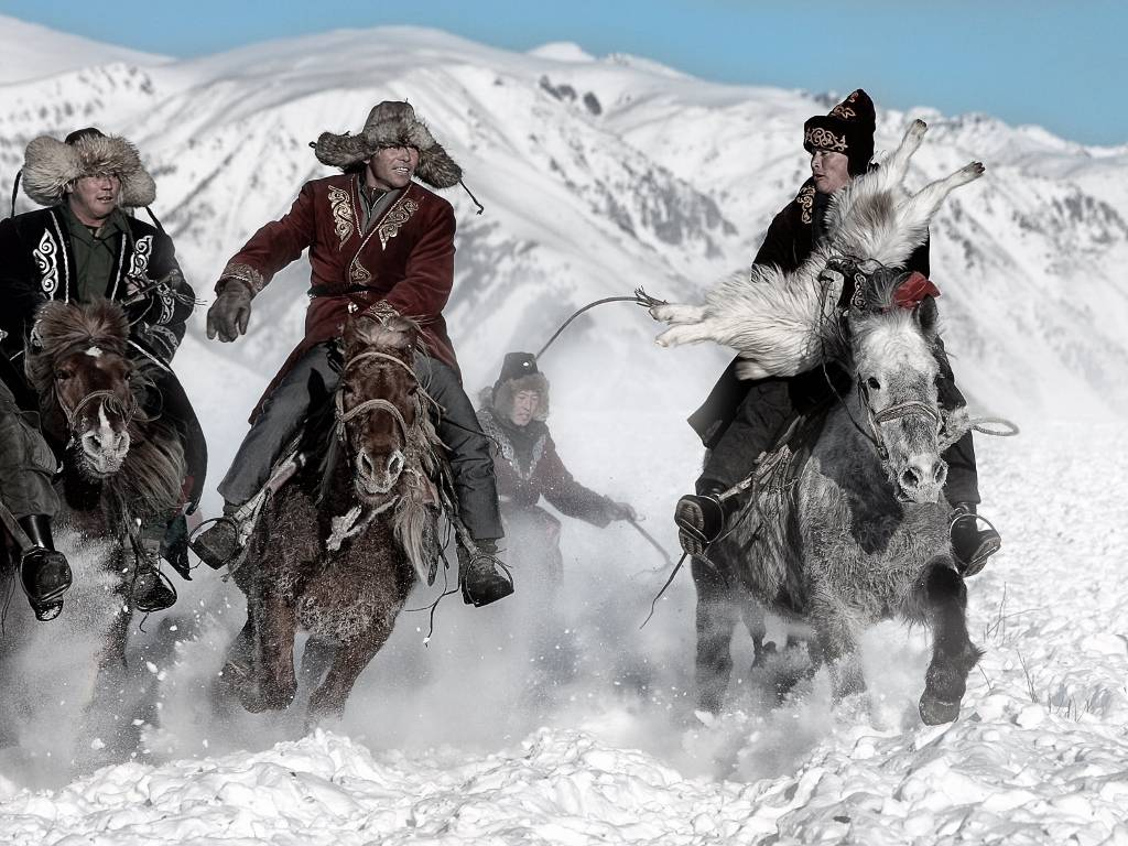 Umo Art Gallery Winter Horse Race