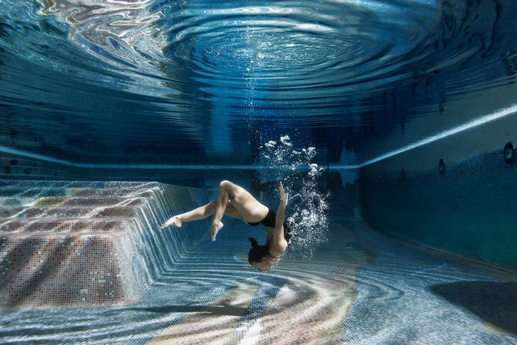 Umo Art Gallery Swimming Inside
