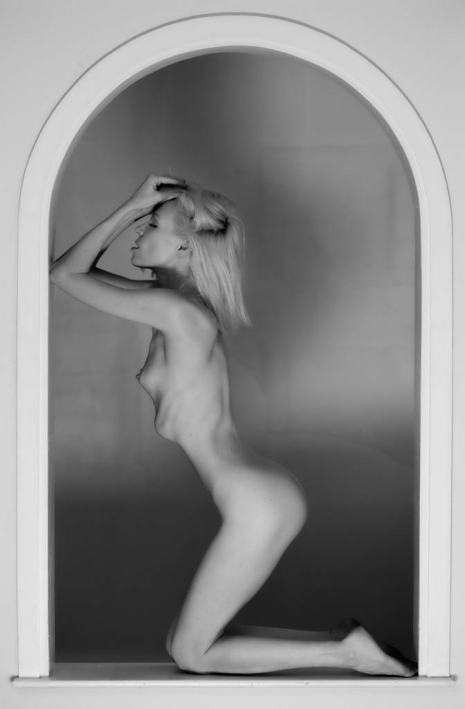 Umo Art Gallery Framed Beauty 2