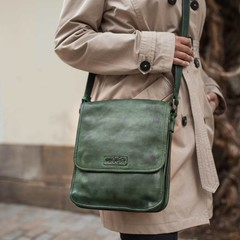 SHOULDER BAG MAYA  leather green