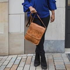 SHOULDER BAG MAYA leather cognac