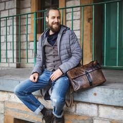 manbefair MESSENGER/LAPTOP BAG COLE leather smokey brown