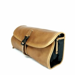 manbefair TOILET BAG  CLIFFHANGER leather cognac
