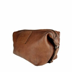 manbefair KARL TOILET BAG leather reddish brown