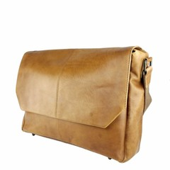 manbefair MESSENGER/LAPTOP BAG LOKI leather cognac