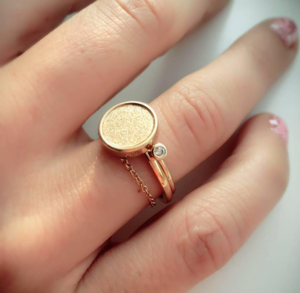 Charmin's Ring Edelstaal Sanded Circle - Gold