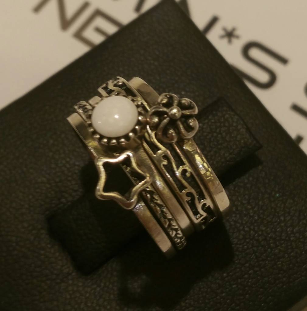 Charmin's NATURAL STONE WHITE AGATE R039 Sterling Zilver