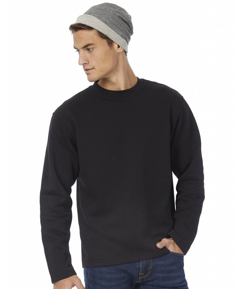 B&C Open Hem Sweater
