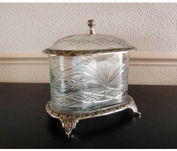 Baroque House of Classics Classic cut glass jar with lid