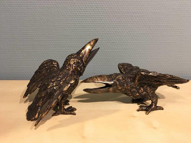 Bronze crow's pair