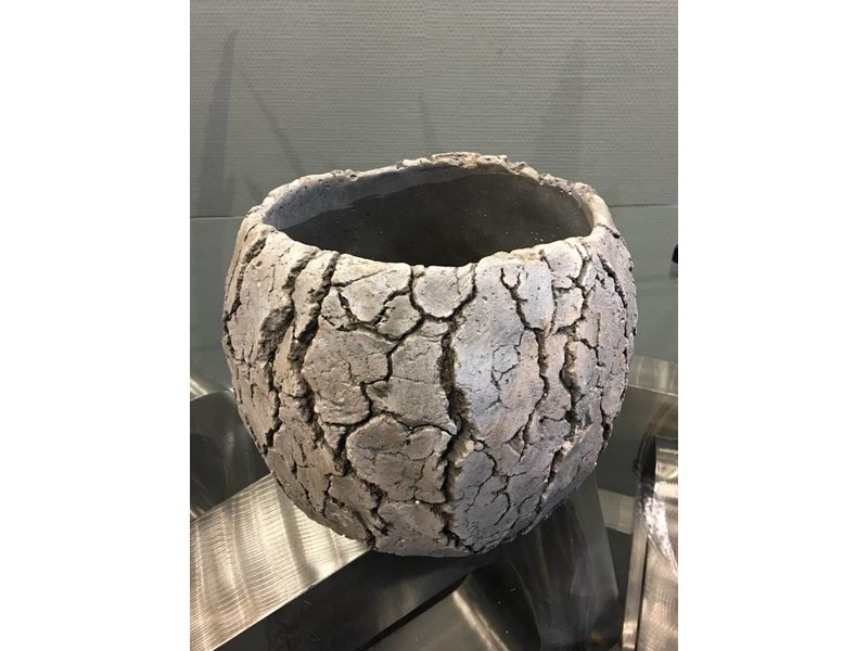 Rasteli Plant pot  Scorched Earth