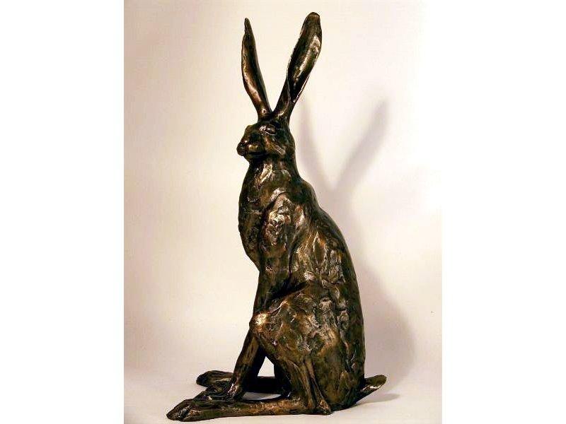 Frith Sentado liebre, estatua de liebre por Paul Jenkins