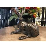 Frith Hasen Skulptur Hockender Hase
