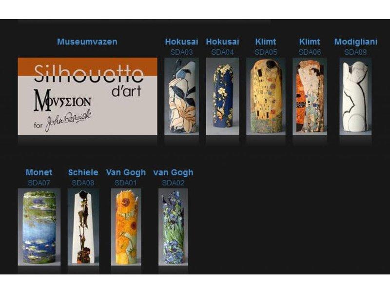 Mouseion Mucha, Rêverie (1897) künstlerische Vase, künstliche Blumenvase, Museumsvase Silhouette d'Art