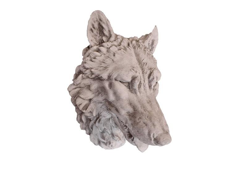Cabeza de lobo para colgar