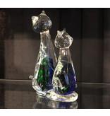 Twee katten van glas, een kattenpaartje in blauw, groen en helder glas