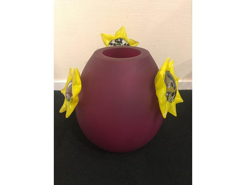 Ozzaro  Bordeauxrote Vase mit Sonneblumenmuster