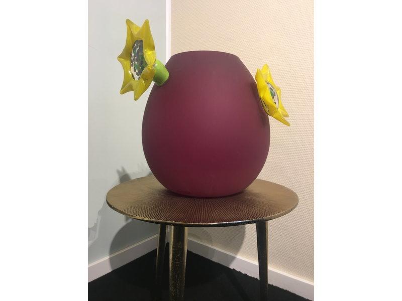 Ozzaro  Bordeau red vase with sunflowers