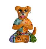 Toms Drag Hund in Yogastellung, Yogastatue