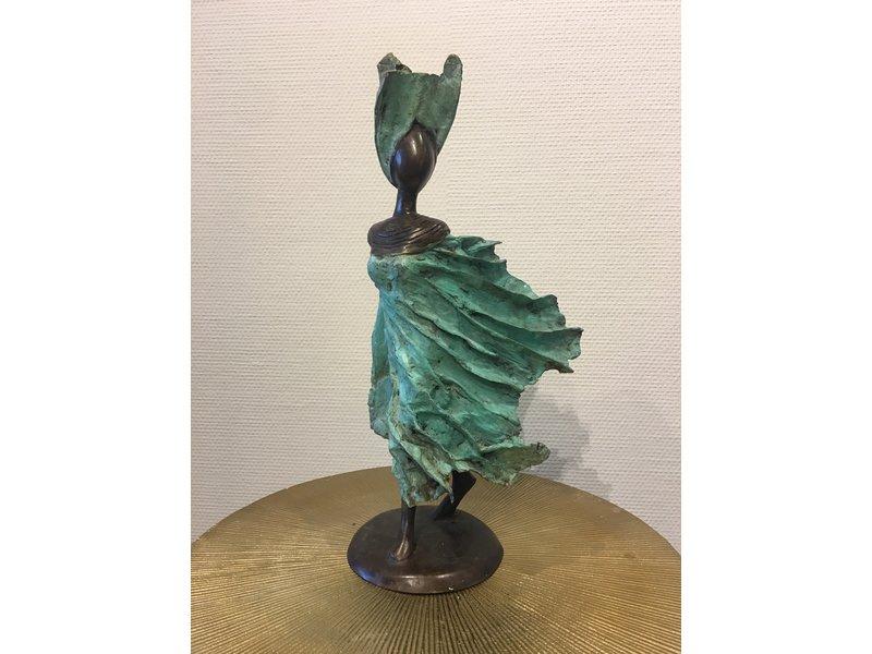 Afrikaanse vrouw in brons - Burkina Faso