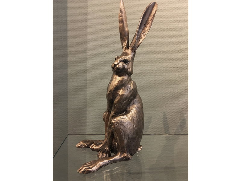 Frith Sitting hare, hare statue